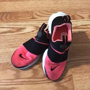 🌸 Nike shoes 🌸